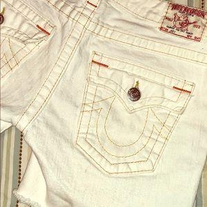 White denim with red/orange trimmed True Religion shorts-BNWOT